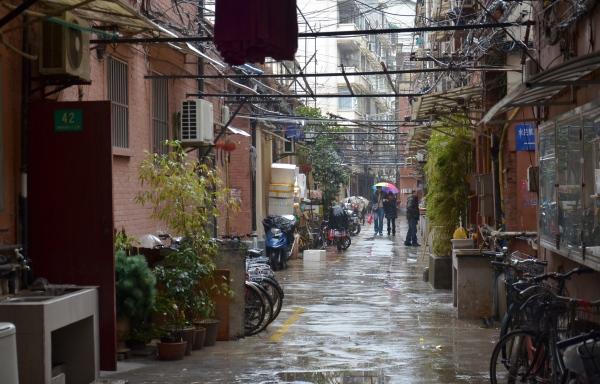 Blick in eine Wohngasse  im Zentrum von Shanghai