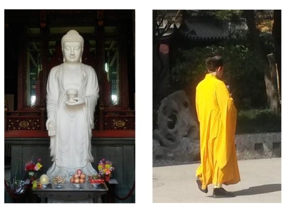 Im Longhua Tempel, Buddha und Mönch mit Pelzmütze